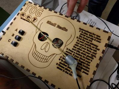 tog-skull-radio