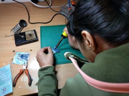 tog-tindie-badge-soldering